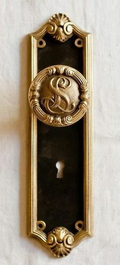 Regal black and gold door knob with keyhole plate Door Knobs And Knockers, Knobs And Handles, Door Handles, Antique Door Knobs, Antique Hardware, Door Detail, Ivy House, Unique Doors, Door Accessories