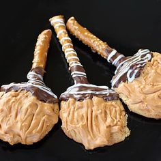 Witches' Brooms Halloween Cookie Recipe •1 pkg peanut butter cookie dough mix or homemade peanut butter cookie dough •10 pretzel rods, cut in half •2/3 c semisweet chocolate chips •2 tsp shortening •butterscotch chips, melted