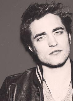 Robert Pattinson....so sexy