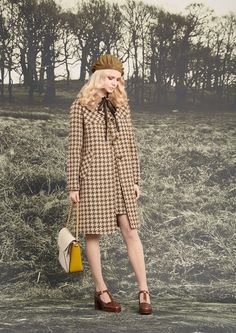 See the complete Orla Kiely Fall 2016 Ready-to-Wear collection.