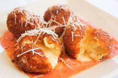 It's what's on the inside that counts! - Fried Macaroni and Cheese