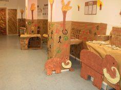 ideas prehistoria niños - Buscar con Google Prehistoric Age, Stone Age Art, Cro Magnon, Paleolithic Era, School Murals, Ecole Art, Class Decoration, Art Lessons Elementary, Classroom Decor