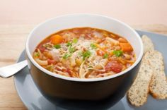 Soupe minestrone http://www.recettes.qc.ca/recette/soupe-minestrone-style-giorgio-188227 #soupe #recettesduqc