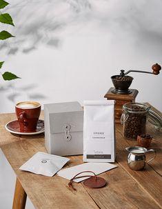 Coffee Shot, My Coffee, Coffee Drinks, Coffee Time, Coffee Photography, Food Photography, Coffee Study, Coffee Truck, Coffee Branding