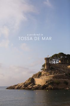 Tossa de Mar, Spain Travel Guide - the castle right on the beach is incredible! Barcelona Day Trips, Spain Travel Guide, Philippines Travel, Spain And Portugal, Beach Hotels, Beach Resorts, Beach Town, Camping, Vacation Destinations
