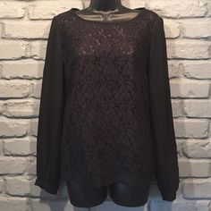 BANANA REPUBLIC lace top size small Measurement: normal Brand: banana republic Size: small Condition: like new, worn twice Colors: black Event: casual or dressy  See through. NO TRADES/ PAYPAL ✔DON'T ASK FOR MY LOWEST PRICE, PLEASE USE OFFER BUTTON ❤️BUNDLE TO SAVE! ⏳I ONLY HOLD ITEMS FOR 24 HOURS Banana Republic Tops Blouses