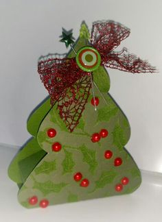 Get in early for Christmas 2014!  Now that the Christmas rush is over, I've found time to make Christmas projects!