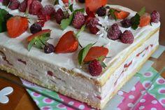 Gâteau Tiramisu aux fraises Vanilla Cake, Delish, Cheesecake, Menu, Cooking, Sent Bon, Desserts, Muffins, Kitchen