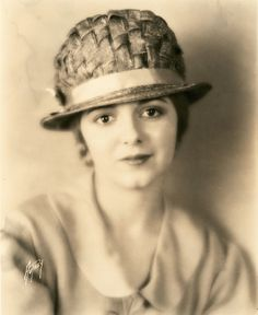 Janet Gaynor,Sunrise: A Song of Two Humans,1927 (Max Mun Autrey)