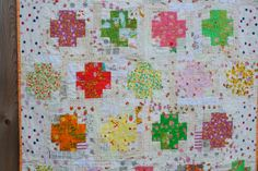 a quilt is nice: Briar Rose Quilt =modern version of the log cabin.  Not a fan of the busy whites background, but like the pattern.