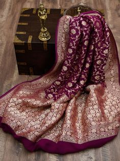 Silk Saree Banarasi, Georgette Sarees, Bengali Wedding, Saree Wedding, Weave Shop, Wedding Saree Blouse Designs, Sari Dress, Fashion Vocabulary, Indian Wedding Outfits