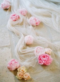 Tying the Knot Part II: Elizabeth Messina | Blog | Samuelle Couture