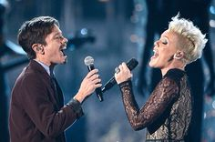 Celebrity Gossip, Celebrity News, Grammy Awards 2014, Blonde Singer, Nate The Great, Dance Numbers, Blonde With Pink, Best Duos, Musica