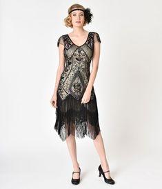 Unique Vintage Green Beaded & Fringe Leonie Flapper New Year's Eve Dress 1920s Evening Dress, Formal Evening Dresses, Formal Gowns, Long Gowns, Unique Dresses, Dresses For Sale, Beaded Flapper Dress, Flapper Dresses, Roaring 20s Dresses