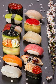 Pl 49 Cases 1-2-3 Exemple de beau plat de sushis. Pose-les sur une belle assiette épurée. http://www.jetradar.fr/flights/Japan-JP/?marker=126022.pinterest