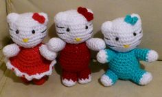 Hello Kitty Amigurumi  - Patrón Gratis en Español aquí: http://novedadesjenpoali.blogspot.de/2014/12/patron-de-kitty-con-vestido.html