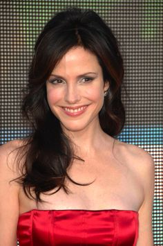 Mary-Louise Parker love; I have officially envied her hair through all seven seasons of Weeds now.
