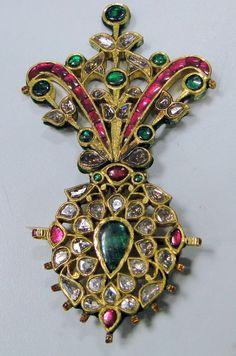 Turban jewel, ruby, emerald and diamond.