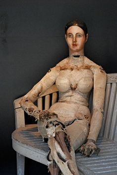 Antique Mannequin-- Huh, putting nipples on mannequins back then even! Seems like such a silly thing to include on a mannequin. Antique Dolls, Vintage Dolls, Artist Mannequin, Mannequin Heads, Street Art, Vintage Mannequin, Pose, Creepy Dolls, Doll Parts