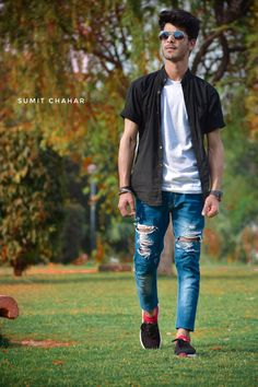 Photo Poses For Boy, Best Photo Poses, Boy Poses, Poses For Photos, Fashion Photography Poses, Men Photography, Mens Photoshoot Poses, Stylish Boys, Picsart Background