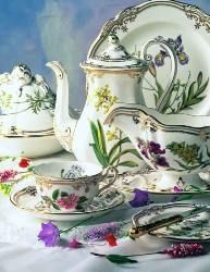 Stafford Flowers by Spode. One of the most labor intensive pieces of art I have ever seen made. I have a teapot in this pattern.