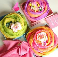 How to gift a scarf as a ROSE!