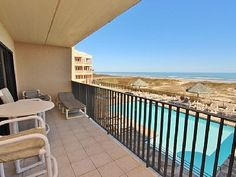 VRBO.com #556372 - Cheerful Oceanfront Condo with Heated Pool and Hot Tub