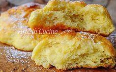 FOCACCINE MORBIDE ALLA VANIGLIA BRIOCHE FACILI Finger Food, Cornbread, French Toast, Muffin, Cookies, Breakfast, Ethnic Recipes, Sweet, Desserts