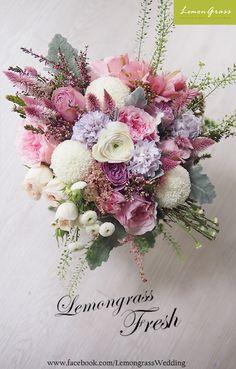 www.facebook.com/LemongrassWedding All Flowers, Amazing Flowers, Fresh Flowers, Carnations, Tulips, Flower Images, Flower Bouquets, Bridal Bouquets, Hydrangea
