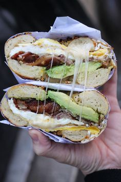 Best Restaurants in NYC: Top 20 Places For a First Timer The best restaurants in NYC for a first timer! The only list you will ever need for your trip to New York City. Small Restaurant Design, Bagel Breakfast Sandwich, Best Breakfast, Bagel Bar, Apple Breakfast, Mexican Breakfast, Breakfast Bowls, Breakfast Recipes, Ny Food