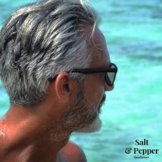 g… – coiffures et barbe hommes Mens Hairstyles With Beard, Hair And Beard Styles, Older Men Haircuts, Medium Hair Cuts, Haircut Medium, Handsome Older Men, Grey Beards, Old Faces, Men With Grey Hair