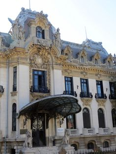 Cantacuzino palace – George Enescu museum - built in Futuristic Architecture, Architecture Details, History Of Romania, French Exterior, Neoclassical Architecture, Caribbean Cruise, Royal Caribbean, Bucharest Romania, London Pubs