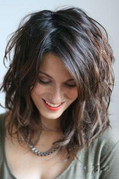 Coupe coiffure mi long 2018 - Garden Tutorial and Ideas Bangs With Medium Hair, Medium Hair Cuts, Medium Hair Styles, Curly Hair Styles, New Hair Look, Hairstyles With Bangs, Fashion Hairstyles, Layered Hairstyles, Hairstyles 2018