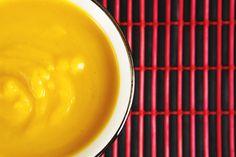 Zupa krem z dyni. Prawdziwie jesienna, delikatna i kremowa zupa dyniowa. Można wykorzystać resztki po Halloween : )
