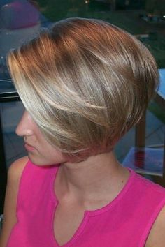 Subtle stacked bob. Short hair - darlingstuff.com