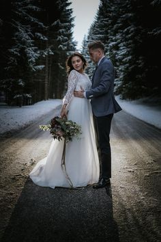 2018 - best of wedding & elopements Elopements, Wedding Dresses, Fashion, Photos, Beautiful Moments, Pictures, Bride Dresses, Moda, Bridal Wedding Dresses