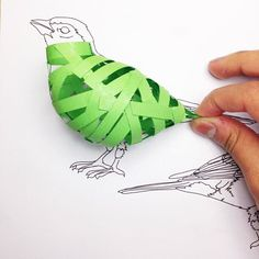 This Columbian designer, currently based in England, is attracting attention for her remarkable paper birds. 3d Paper Art, Origami Paper Art, 3d Paper Crafts, Paper Toys, Kirigami, Paper Birds, Fabric Birds, Origami And Quilling, Paper Quilling