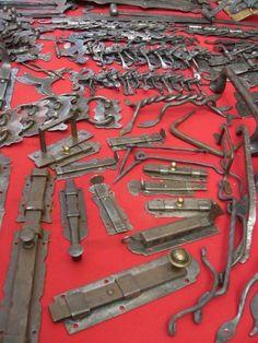 Souvenir Valle dAosta - oggetti in ferro battuto