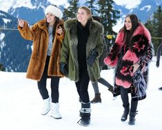fur fashion directory is a online fur fashion magazine with links and resources related to furs and fashion. furfashionguide is the largest fur fashion directory online, with links to fur fashion shop stores, fur coat market and fur jacket sale. Fabulous Furs, Types Of Girls, Parka Coat, Fur Fashion, Fashion Gallery, Fur Jacket, Style Guides, Winter Jackets, Lady