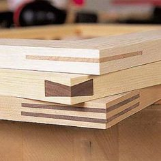 Frame miter joints are elegant, but can be difficult to cut and clamp. These jig… Frame miter joints are elegant, but can be difficult to cut and clamp. These jigs from Bill Hylton's Power-tool Joinery PWM column, can help. Woodworking Articles, Woodworking Jigsaw, Woodworking Tools For Sale, Woodworking Patterns, Woodworking Magazine, Woodworking Workbench, Woodworking Workshop, Easy Woodworking Projects, Popular Woodworking