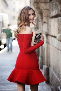 strapless kırmızı elbise volanlı etek günün arzu nesnesi