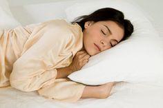 Você é daquelas pessoas que demoram para pegar no sono, e que dormir 8 horas por dia é uma missão praticamente impossível? Então venham dar uma olhada nesses 6 alimentos que ajudam a melhorar o sono!