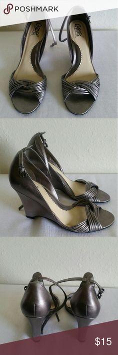 Grey Carlos Santana wedges Grey Carlos Santana wedges with 4 inch wedge Carlos Santana Shoes Wedges