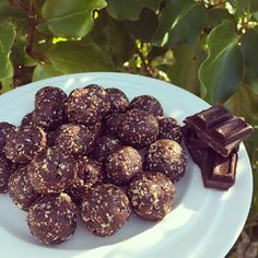 and a little sweet treat! Who doesn't love sweet treats that taste amazing, but are guilt free! All the recipes. Bliss Balls, Guilt Free, Sweet Treats, Chocolate, Ethnic Recipes, Desserts, Food, Tailgate Desserts, Deserts