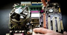 Looking for a computer repair? Choosing the best computer repair service providers can be overwhelming. It is imperative that you choose a technician who has the right experience. How did you choose your computer repair services technician? Computer Repair Shop, Computer Repair Services, Computer Service, Laptop Repair, Alter Computer, Best Computer, Computer Laptop, Computer Tips, Microondas Panasonic