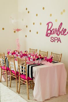 Have a barbie party and create a barbie fantasy. Find creative and unique ideas to throw the best barbie birthday party yet! Spa Birthday Parties, Sleepover Party, Birthday Party Themes, Girl Birthday, Paris Birthday, Turtle Birthday, Turtle Party, Carnival Birthday, Pajama Party