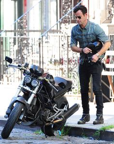 10 Easy Ways to Channel Justin Theroux's Badass-Biker Style | GQ