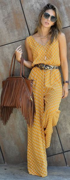 Street Style By Ana Mustard Printed Loose Jumpsuit Mode Outfits, Casual Outfits, Summer Outfits, Fashion Outfits, Dress Fashion, Fashion Clothes, Fall Outfits, Fashion Tips, Style Désinvolte Chic