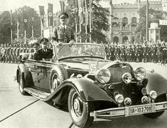 Things that go BUMP in the nyt Marine Recon, Kingdom Of Italy, Ww2 Uniforms, Germany Ww2, Mercedes Maybach, Military History, World War Two, Old Photos, Wwii