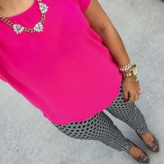Crushing on this colorful outfit @tatisbonilla put together. Just fabulous!